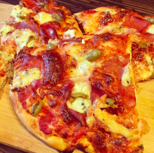ciasto na pizzę z włoskiej mąki